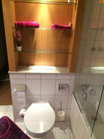 Bad mit Toilette im OG